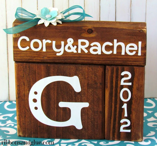 Give personalized Wedding Blocks as wedding gifts