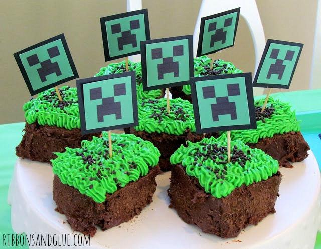 Minecraft Party Creeper Cupcakes
