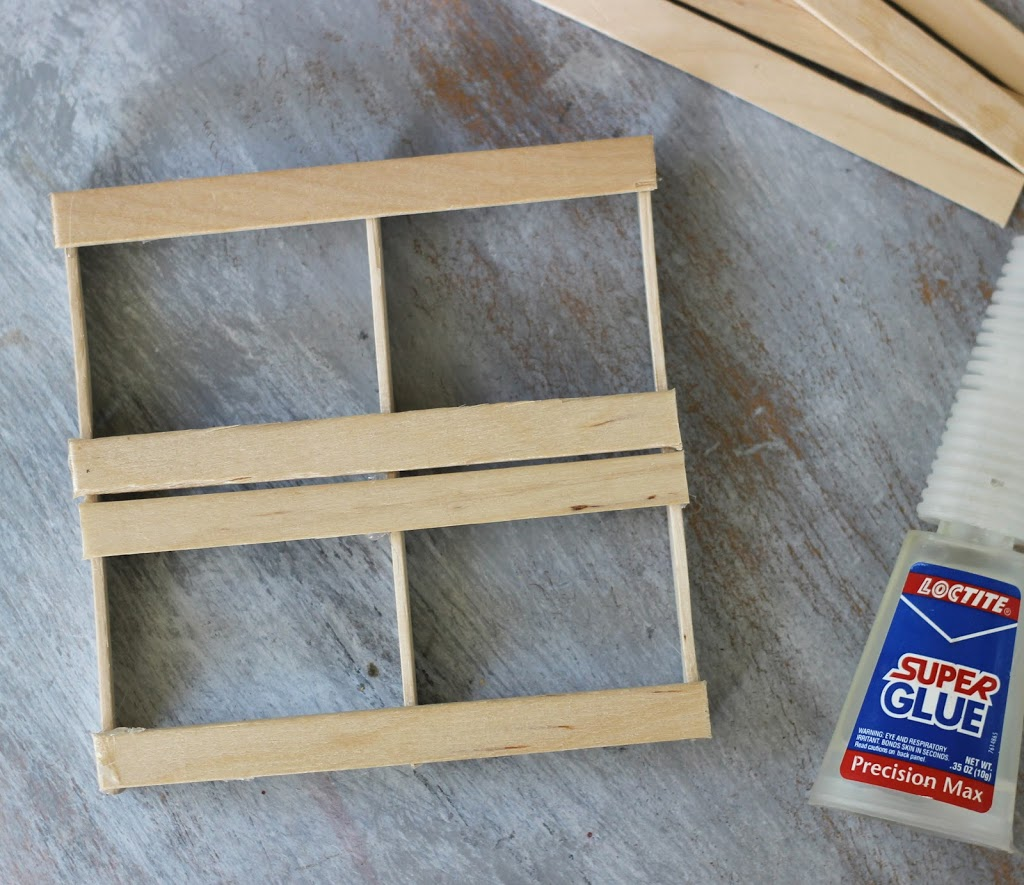 How to make a Mini Pallet