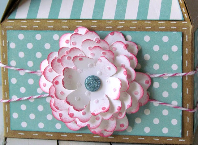 Flower Gable Box